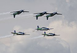 Brazilian Tucanos in mirror formation, Dayton Air Show 18.07.09